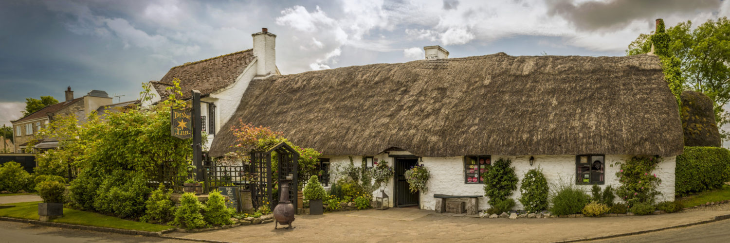 The pretty thatched Star Inn at Harome